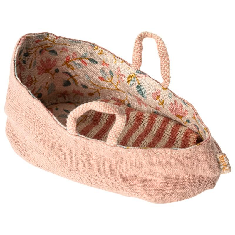 Couffin rose bébé souris
